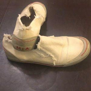 MIA Shoes - Mia slip ons